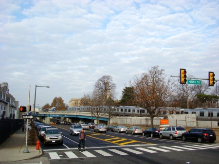 The SEPTA elevated line comes above ground at 45th and Market Streets. Add to this grade changes, walls, fences, dead end streets, and few pedestrian access points and you have a neighborhood in need of creative connectivity solutions.